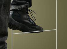 - Accessories: Wire Step Frames