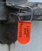 - Custom Plastic Padlock Wire Seals